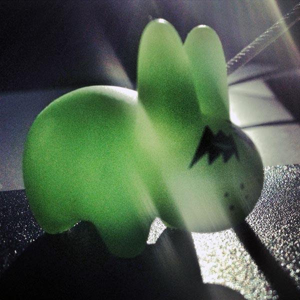 lapin vert dans la place !