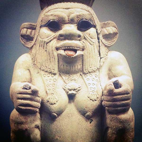 statue du dieu bès