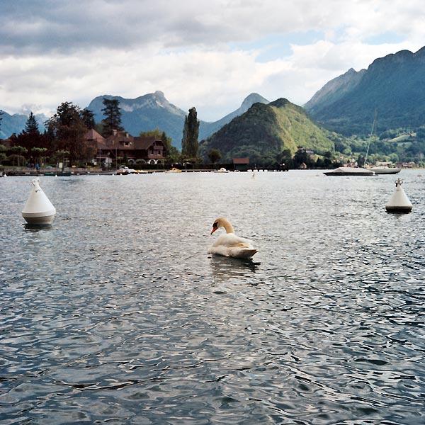 réminiscence du lac d'annecy