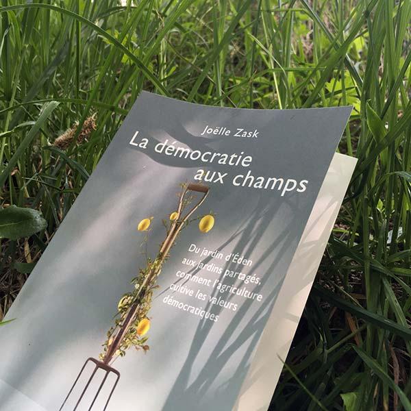lire dans les champs de la démocratie aux champs